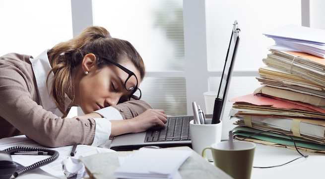 Image result for chán nản công việc tuổi trung niên