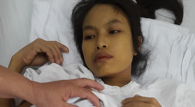Nỗi đau chồng chất đến với cô gái 27 tuổi nặng 27kg