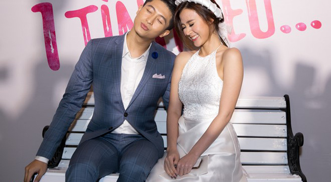 Midu quấn quýt bên Harry Lu trong ngày ra mắt phim
