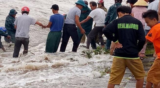 Bão số 10: Nghệ An có nguy cơ vỡ đê, khẩn cấp di dời dân ra khỏi vùng nguy hiểm
