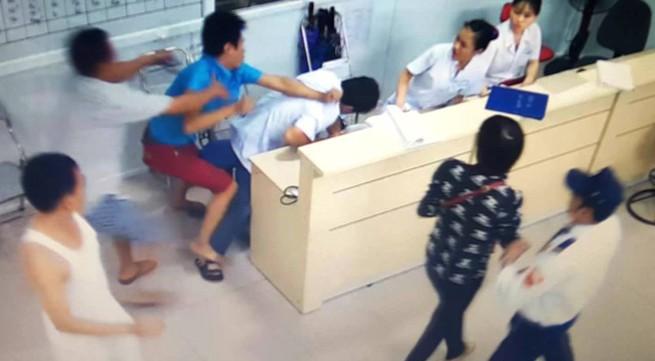 Vụ hàng chục côn đồ xông vào bệnh viện chém đứt khí quản bệnh nhân: Cần tăng cường lực lượng bảo vệ
