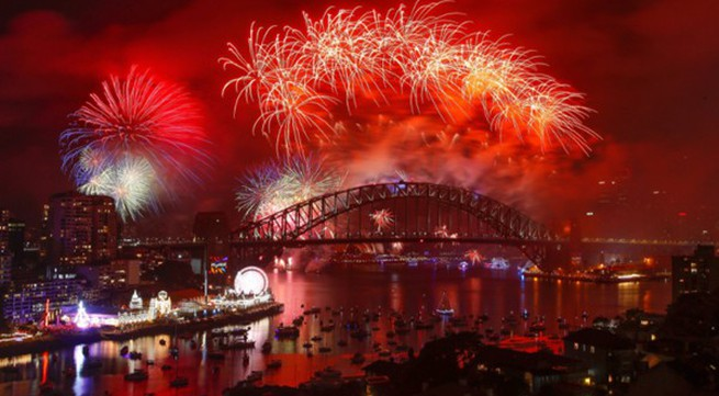 Hình ảnh bắn pháo hoa tuyệt đẹp chào đón năm mới 2018 không thể bỏ lỡ