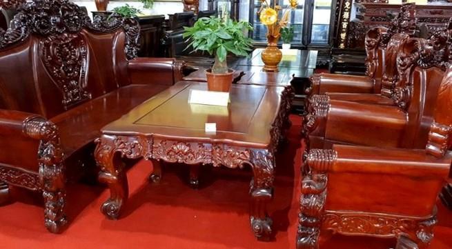 Bộ bàn ghế 'vua gỗ' 2,5 tỷ đồng, đại gia hỏi mua không gật