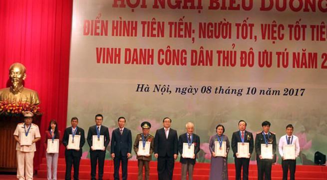 """Hà Nội vinh danh 10 công dân ưu tú và biểu dương 790 gương điển hình tiên tiến, """"người tốt, việc tốt"""""""
