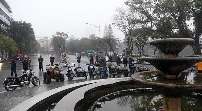 Tết bình yên của người dân Hà Nội ngày đầu năm mới