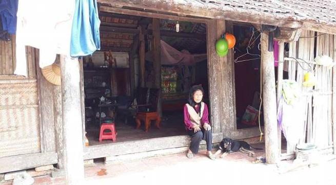 Vụ bé trai bị xích cổ tại Thanh Hoá: Hoàn cảnh đáng thương của bà nội 90 tuổi nuôi cháu hư hỏng