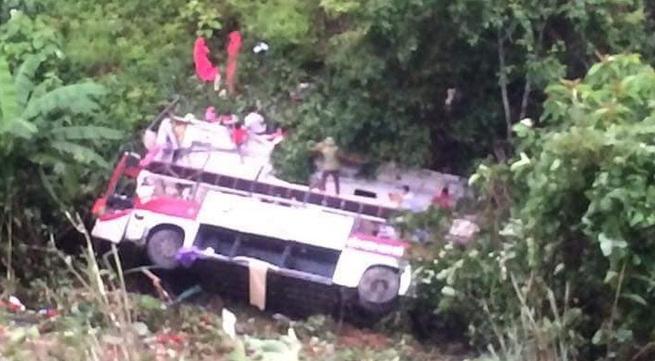 Cao Bằng: Xe khách lao xuống vực, hàng chục người thương vong