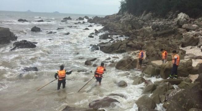 Thanh Hóa: Tắm biển 1 người tử vong, 1 người mất tích