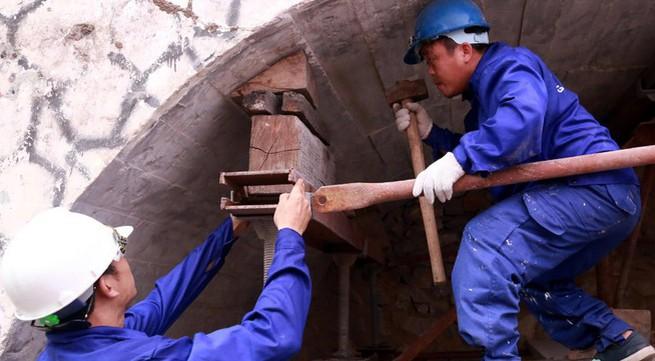 Hà Nội chính thức đục thông vòm cầu Phùng Hưng phục vụ không gian phố đi bộ