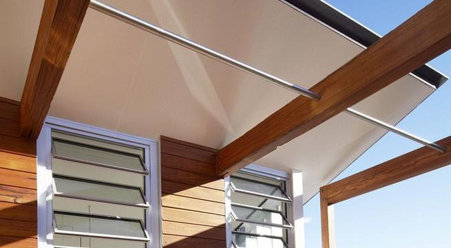 Mái nhà di chuyển được giúp ngôi nhà này có thể kiểm soát nhiệt độ trong nhà