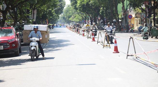 Lập rào chắn đường Trần Hưng Đạo, đến Bệnh viện Tim Hà Nội đi lối nào?