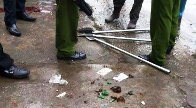Quảng Ninh: Hỗn chiến kinh hoàng ngay tại cổng chợ Hạ Long 2