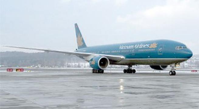 Số điện thoại hỗ trợ 44 chuyến bay bị hủy vì bão