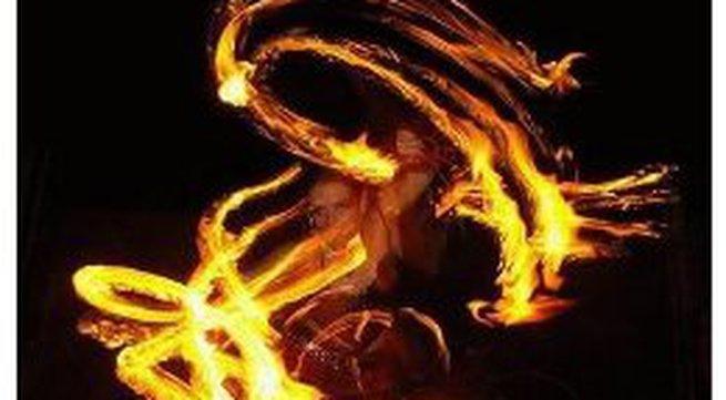 Đam mê cùng... múa lửa