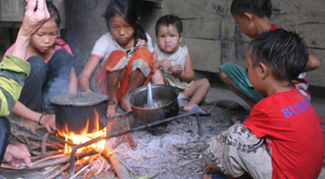 Ứa nước mắt 5 đứa trẻ mồ côi lay lắt nơi xóm núi