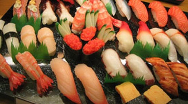 Phố bán đồ ăn Nhật, Hàn Quốc tại Hà Nội