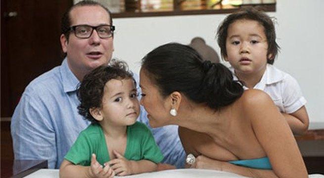 Bằng Lăng hạnh phúc bên chồng con ở Thái Lan