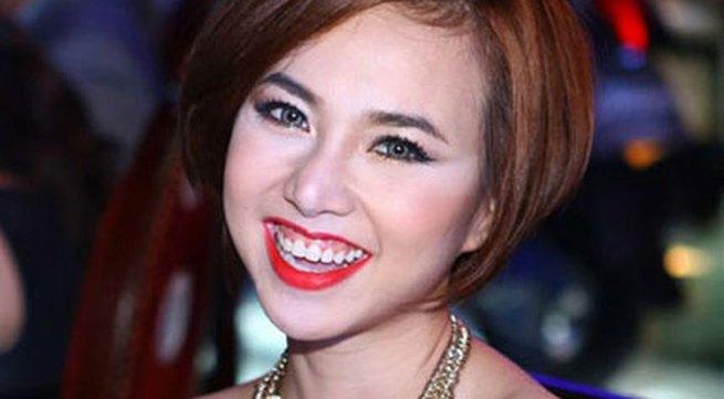 """Những sao Việt """"nghiện"""" phong cách trang điểm đậm"""