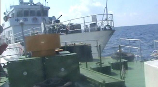 Tàu Trung Quốc tiếp tục đâm va, phun nước gây hư hỏng tàu Việt Nam