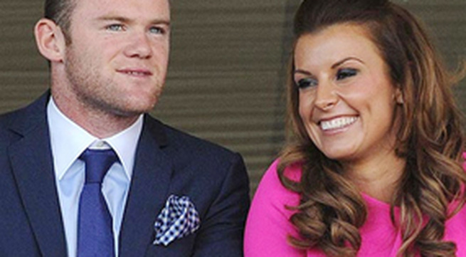 Rooney bị yêu cầu: Không được ngủ với vợ