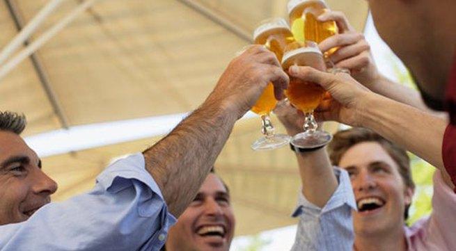3 sai lầm mù quáng khi uống rượu bia
