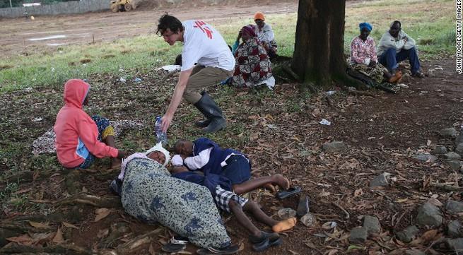 Những nguyên nhân kinh hoàng khiến số người chết bởi Ebola tiếp tục tăng (Phần 1)