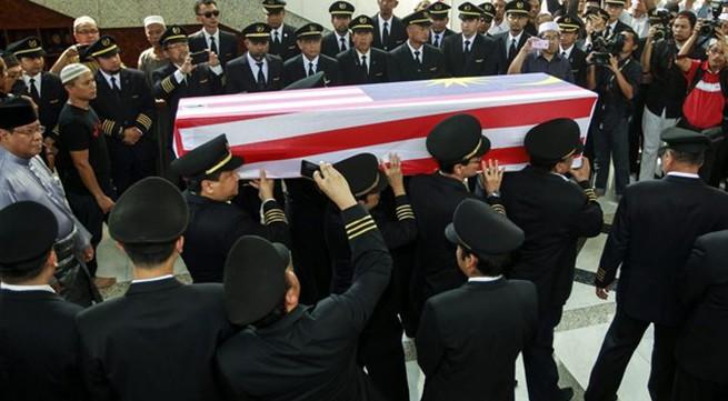 Đẫm nước mắt tang lễ 2 phi công vụ MH17