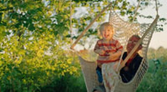 Hoạt động ngoài trời có lợi cho mắt của trẻ em