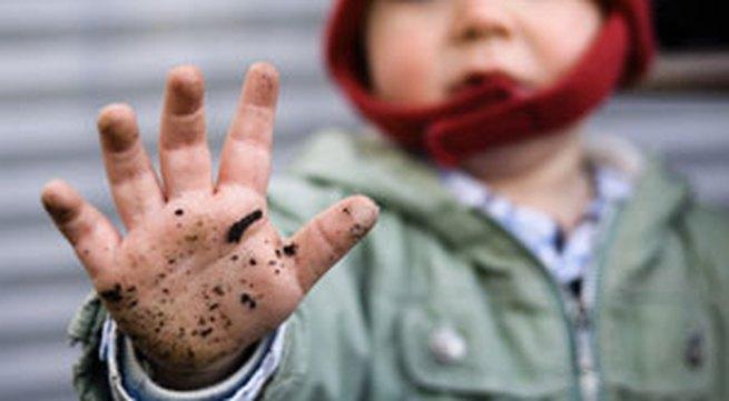 Phòng ngừa và chữa bệnh tay-chân-miệng ở trẻ