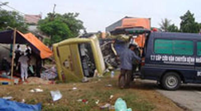 Tai nạn thảm khốc tại Diễn Châu - Nghệ An: 16 sinh mạng thác oan