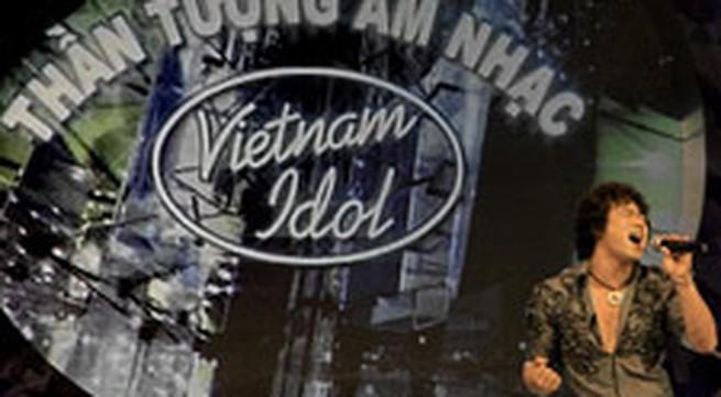 Vietnam Idol khoác nhầm chiếc áo quá nổi?