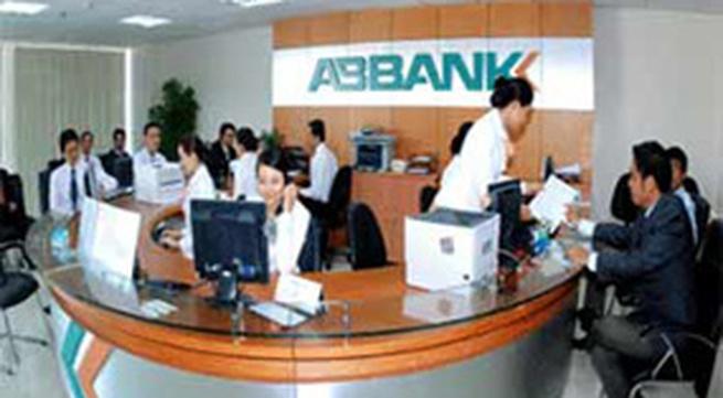 Các ngân hàng lớn lại đồng loạt giảm lãi suất