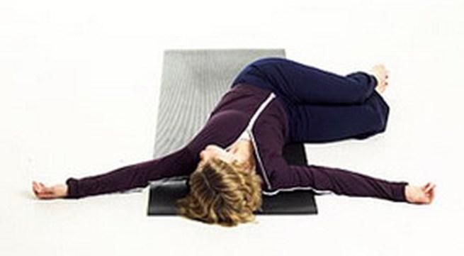 6 động tác yoga đơn giản tập hàng ngày