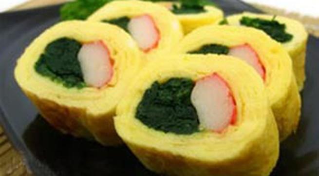 Làm trứng cuộn kiểu sushi