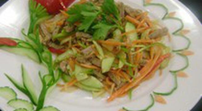 Món lạ: Gỏi bò chua cay