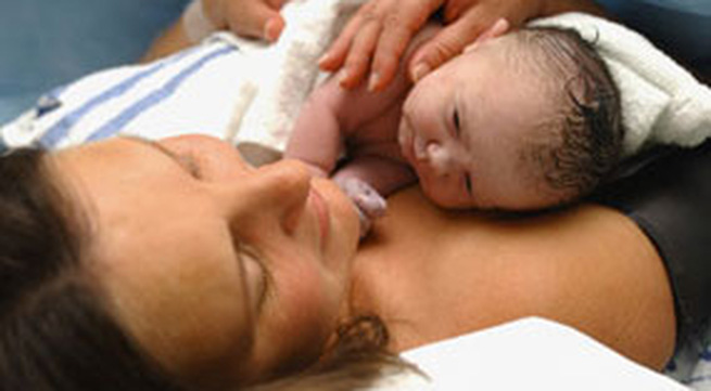 3 điều cần lưu ý khi chăm sóc bà mẹ sau sinh