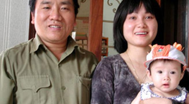 """Vợ nhà thơ Trần Đăng Khoa: """"Không hiểu sao anh Khoa chọn tôi"""""""