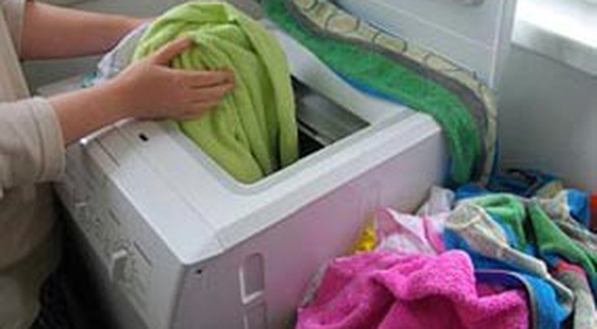 Giặt quần áo bằng máy giặt đúng cách