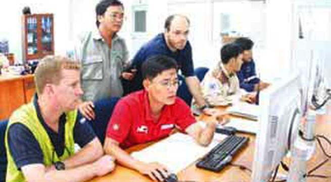 Quản lý lao động nước ngoài tại Việt Nam: Sự hời hợt mất tiền tỷ