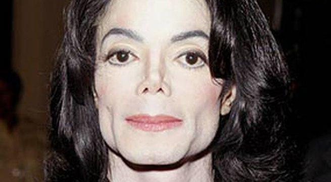 VIDEO: Hối hả đưa Michael Jackson đi cấp cứu