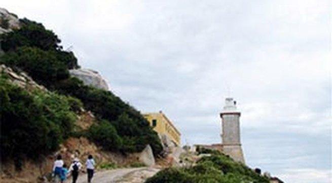Khám phá hải đăng Mũi Dinh
