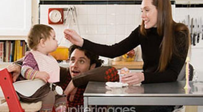 Thời điểm và cách cho bé ăn phômai