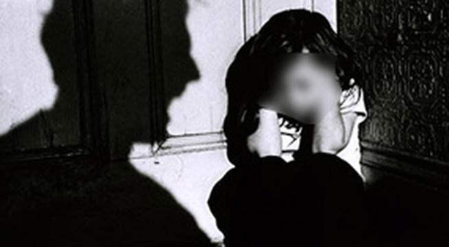 Xử lý nghiêm vụ cha ruột hành hung con gái