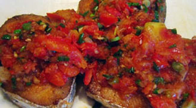 Món ngon hàng ngày: Cá rán xốt cà chua