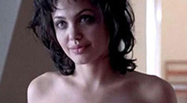Cảnh phim khỏa thân của Angelina Jolie bị tung lên mạng
