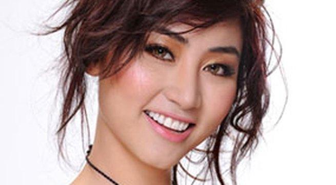 Diễn viên Ngân Khánh: Tôi sống bản năng lắm