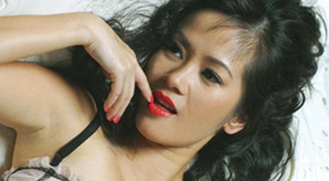 Hồng Nhung: Khi làm mẹ, tôi muốn lấy Mỹ Linh làm... gương