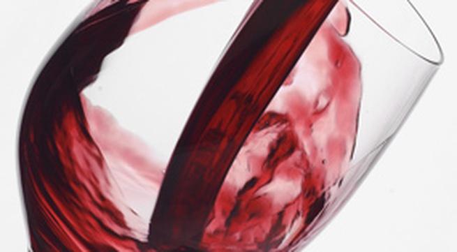 9 tác dụng tuyệt vời của rượu vang với sức khỏe phụ nữ