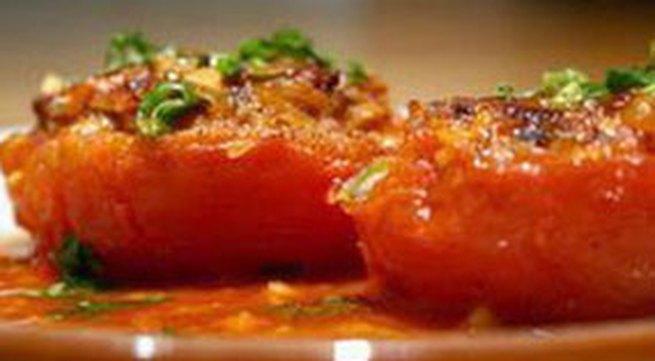 Thực đơn bữa tối: Cà chua nhồi thịt