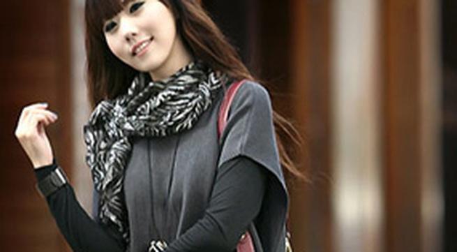 8 kiểu thắt khăn quàng đẹp nơi công sở